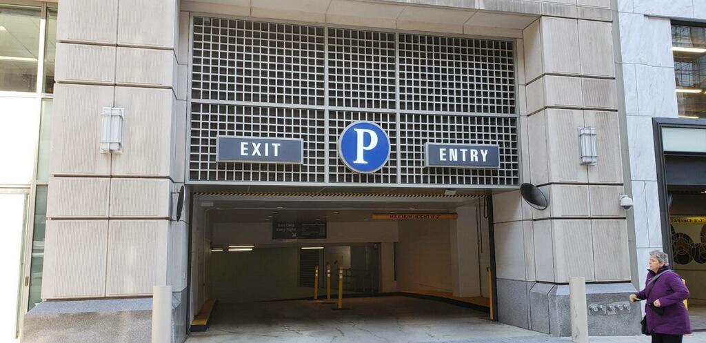 1625 Entrance