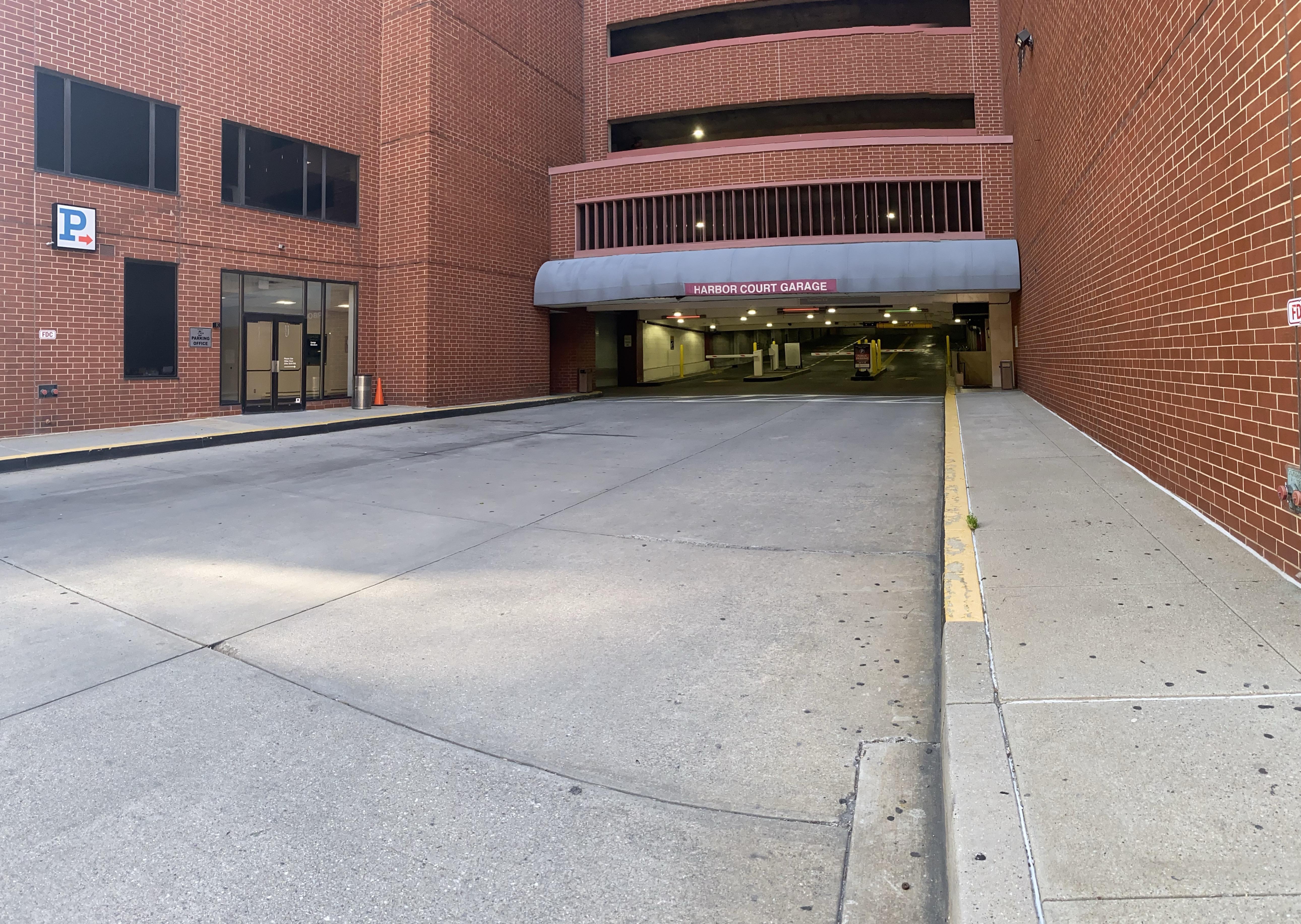 30 E  Lee St Main Entrance/Exit